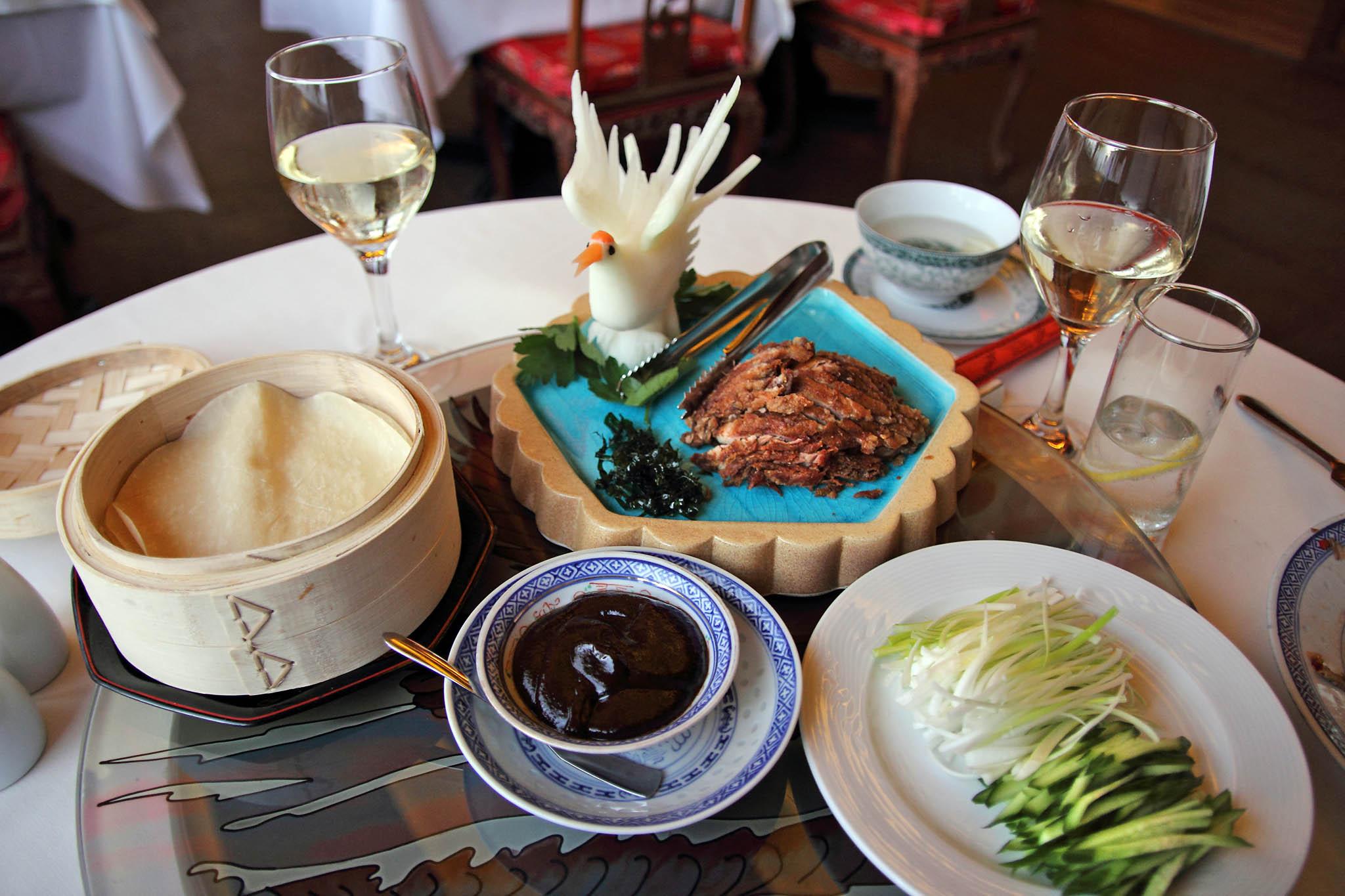 Утка по-пекински в ресторане Xiang Cong