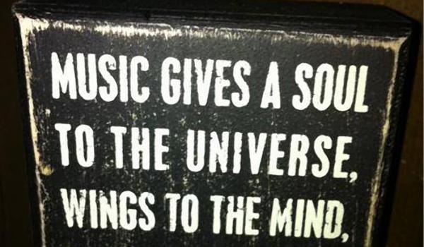 «Потерянные в музыкальной вселенной» — вечер в винном баре Boulevard