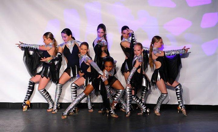 Международный центр танцев Hallmark