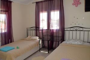 3-спальная вилла Maria рядом с морем в Корал Бэй