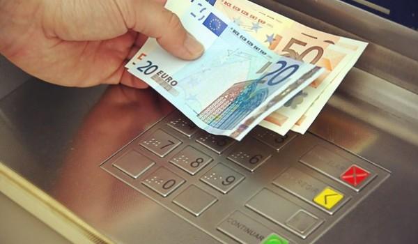 В Греции открылись банки